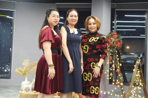 Giảng viên Trần Ngọc Mỹ & các giảng viên của Hiệp Hội BHL - Việt Nam đồng hành cùng The Cancer Voice chung tay mùa Giáng Sinh thêm ý nghĩa