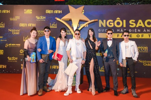 Helen Thanh Đào cùng doanh nhân Hoàng Cảnh Dự đưa đoàn doanh nhân Đài Loan tham dự lễ trao giải Ngôi sao xanh