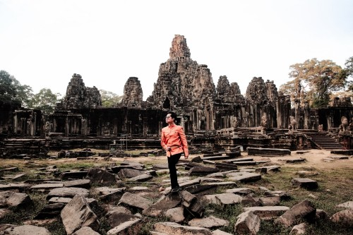 Ngọc Sơn choáng ngợp trước sự kỳ vỹ của di tích Angkor Wat