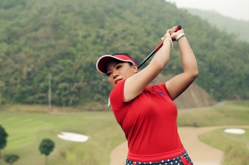 Nữ huấn luyện viên golf cùng tình yêu nghề suốt 3 thập kỷ