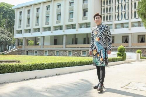 Diện Áo dài Việt Hùng, Sỹ Luân khoe vẻ lịch lãm dưới ống kính của Hứa Qúy Long