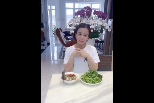 Bất ngờ khám phá những bữa ăn đậm vị của Hoa hậu Oanh Lê