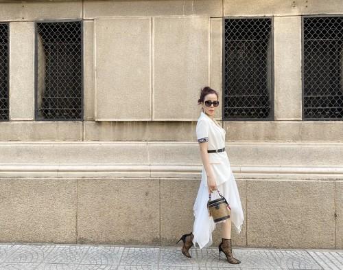 Doanh nhân Hoa hậu Oanh Lê đẹp như nàng thơ với thời trang xuống phố của Dior