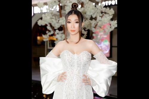 Hoa hậu Ngọc Liên xinh đẹp rạng ngời, khoe làn da không tì vết tại sự kiện