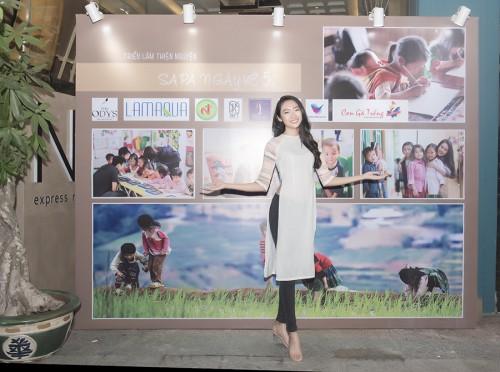 Hoa khôi Thanh Khoa hân hoan đón những nụ cười trẻ thơ qua dự án SaPa ngày về