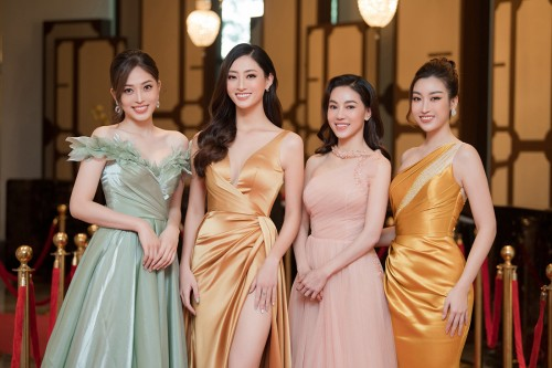 Cùng Bà trùm Hoa hậu Phạm Kim Dung Song  Linh  và  Phương Nga trải nghiệm khách sạn 8 sao dát vàng, nơi lưu trú cho thí sinh HHVN 2020