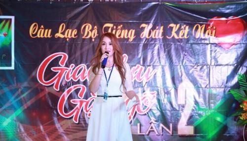 Livestream làm từ thiện - Công việc khác người suốt 6 năm qua của MC Tô Hồng Hạnh