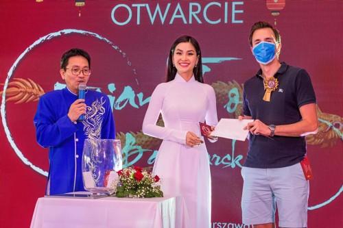 6 tháng kẹt dịch tại Ba Lan, Á hậu Diễm Trang chia sẻ niềm vui giúp chồng khai trường Trung tâm ẩm thực, văn hóa Châu Á