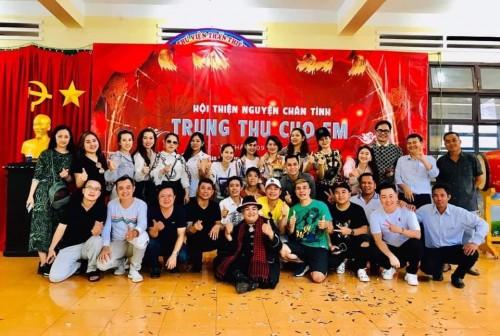 CLB Chân tình trao quà cho các em  nghèo tại Gia Bắc, Di Linh tỉnh Lâm Đồng