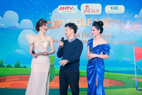 NSƯT Xuân Bắc, MC Hải Anh cùng BTC giải Golf Việt LLA gây quỹ gần nửa tỷ đồng hướng về miền Trung