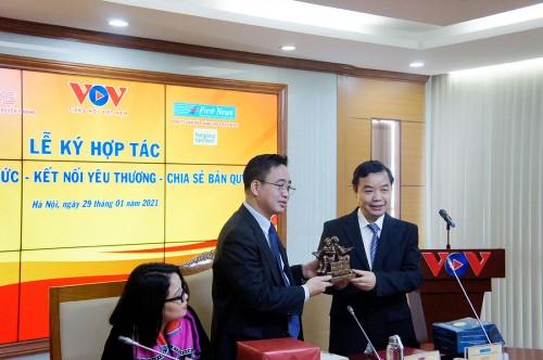 Đài Tiếng nói Việt Nam và Công ty First News - Trí Việt ký kết Hợp tác
