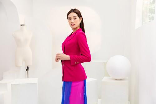 Clip: Tập 3 Road To Miss Universe: Hoa hậu Khánh Vân tự chuẩn bị phong cách trang điểm cho thử thách định hình hình ảnh cá nhân