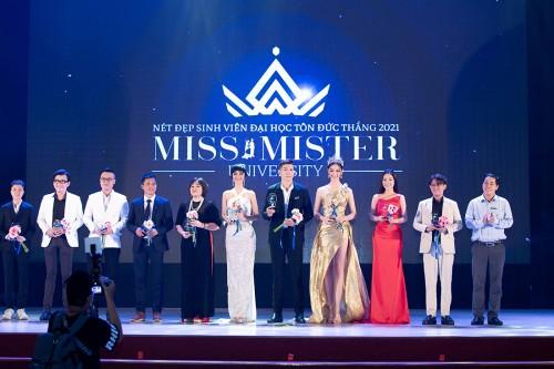 Lương Thuỳ Linh - Kiều Loan làm BGK cuộc thi Miss & Mister ĐH Tôn Đức Thắng