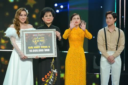 (Clip) Hãy Nghe Tôi Hát 2021: Tina Ngọc Nữ khiến Danh ca Giao Linh phải bật khóc với ca khúc Hai vì sao lạc