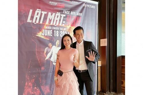 Ca sĩ Ngọc Ánh Kim cùng dàn sao hải ngoại hội ngộ phấn khích ủng hộ phim Lật mặt 48h công chiếu tại Mỹ