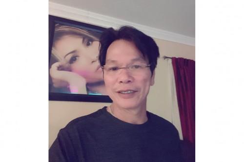Bầu show Quốc Tuấn tiết lộ Phi Nhung từng phải xin kèm show cho  Hồ Văn Cường diễn  tại Mỹ.