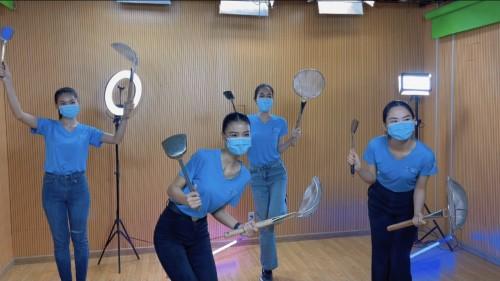 Clip: Á hậu Kiều Loan cùng ca khúc ngợi ca bếp ăn thiện nguyện mùa dịch